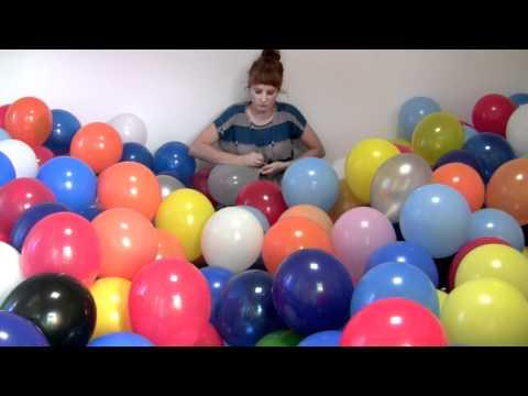 Michaela Gleave '7 Stunden Ballonarbeit/7 Hour Balloon Work'