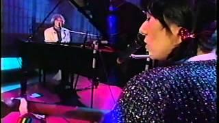 Charly García y Maria Gabriela en programa Chileno Sal y Pimienta 1995