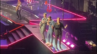 Jonas Brothers - That's just the way we roll - Live Amsterdam 2020