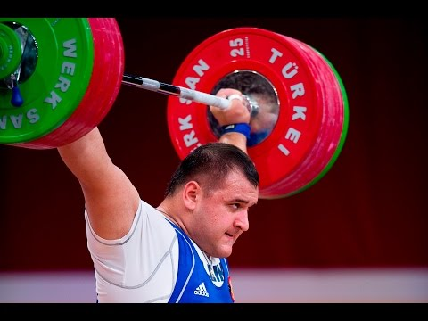 Russian weightlifters likely to face Rio Olympics ban and other morning top stories