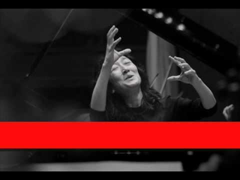 Dame Mitsuko Uchida: Beethoven - Piano Concerto No  5 in E flat, Op 73 'Emperor', 'Adagio'