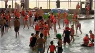 Аквапарк Фэнтази - сюжет(Сюжет о благотворительном мероприятии для детей из детских домов. (www.fpark.ru), 2012-04-21T21:57:59.000Z)