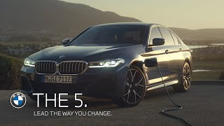 Lead the way you change. The new BMW 5 Series Sedan.