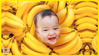 Kukmin Playing with Toy Blocks | Hide and Seek banana with Mom