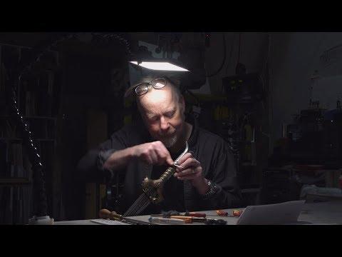 Adam Savage's One Day Builds: Custom Workbench LED Lamp!