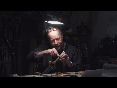 Adam Savage's One Day Builds: Custom Workbench LED Lamp!