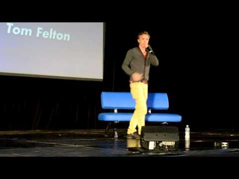 Melbnova - Tom Felton singing Happy Birthday