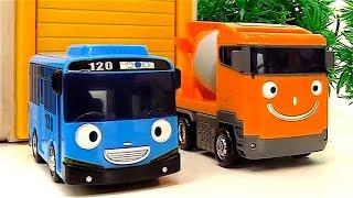El lavado de autos - Tayo el Pequeño Autobús - Carros para niños - Carritos en TV para niños