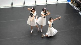 2014年9月13日川口イオンモールで行われたこけぴよライブ第一部の最後の2曲(未来のミュージアム、海カラット空カラット)です。