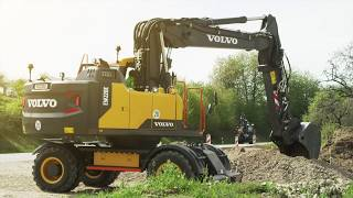 Volvo E-series wheeled excavators: smooth control