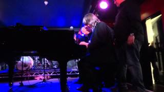 Download Video Live Music : Boogie Woogie : London, Canary Wharf Festival : Grand Finale MP3 3GP MP4
