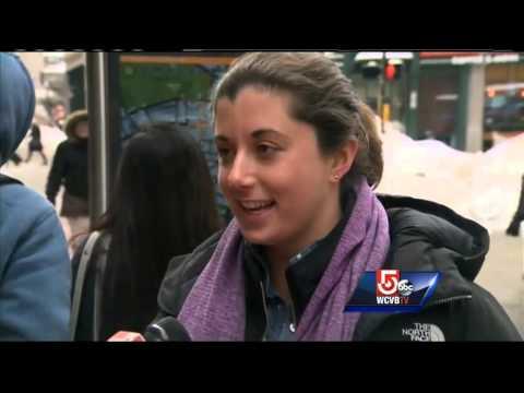 Yacht gets stuck in snow, blocks traffic in downtown Boston