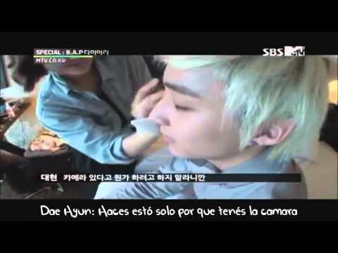 Zelo cantando para llamr la atención de Jong Up y Dae Hyun (SUB.ESPAÑOL)
