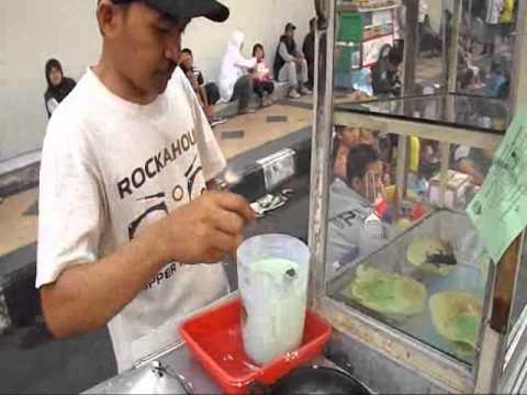 Indonesian street food, kue ape