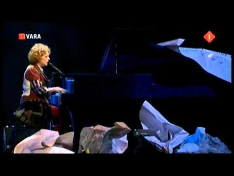Brigitte Kaandorp - IK HEB EEN HEEL ZWAAR LEVEN