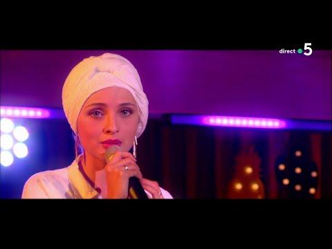 """Le live : Mennel chante """"Je pars mais je t'aime"""" - C à Vous - 17/05/2018"""