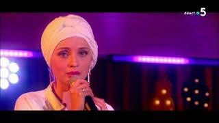 Le live : Mennel chante