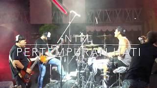 Download #EnoDrumCam #NTRLLive #EnoNTRL NTRL - PERTEMPURAN HATI LIVE (Eno NTRL Drum Cam)