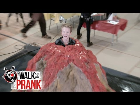 Science Fair Volcano | Walk The Prank | Disney XD