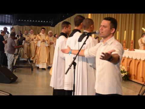 Canto de entrada da Missa celebrada por Monsenhor Jonas