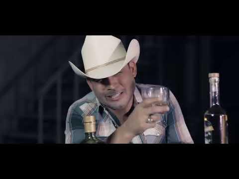 A TRAVÉS DEL VASO (VIDEO OFICIAL) (LETRA)