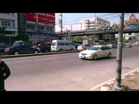 On the road in Thailand -Bangkok - The Kings Family @ Car