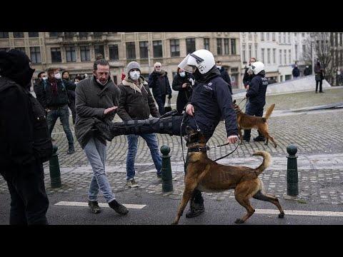 Si moltiplicano le proteste contro le misure anti-covid. In breve i Paesi europei sulle barricate