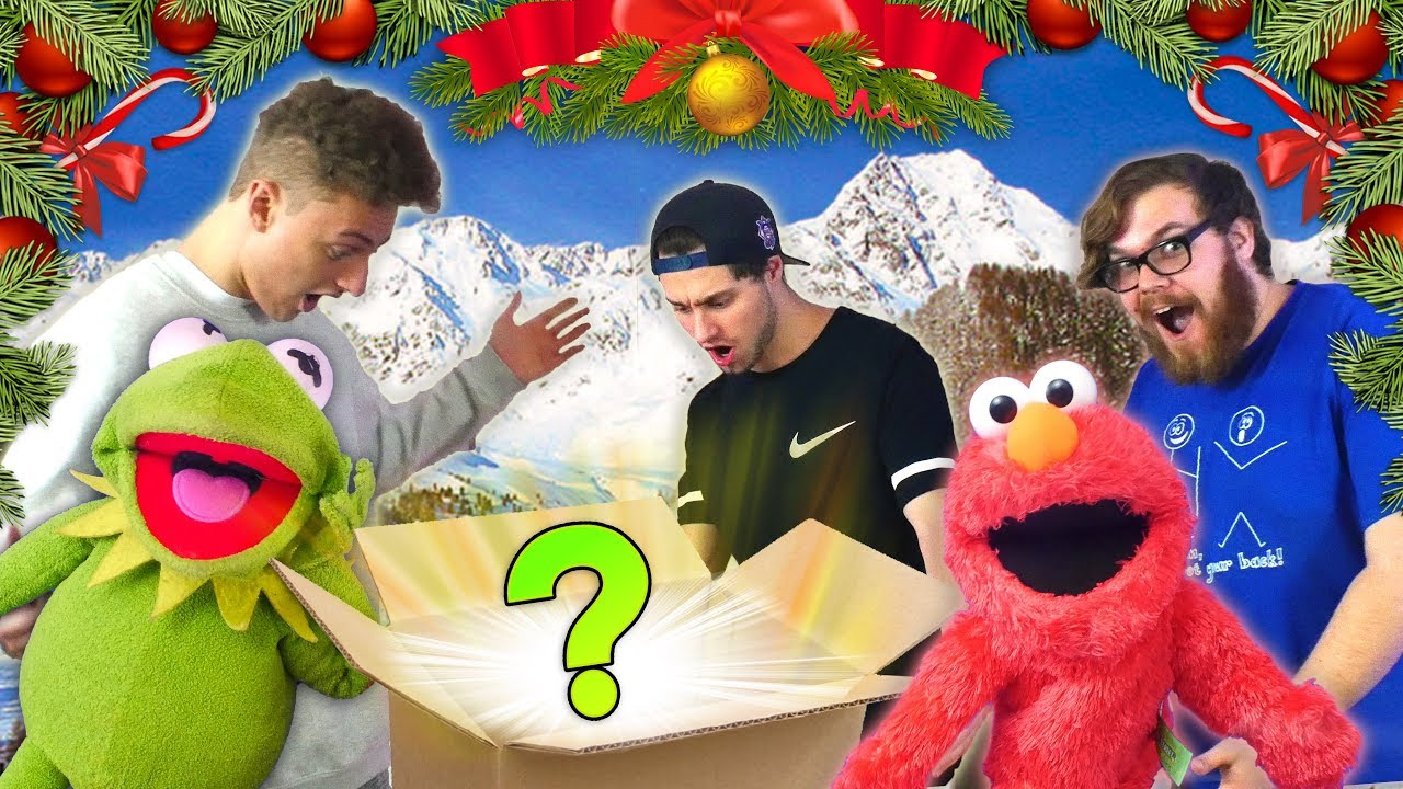Surprising my Friends with an AMAZING Christmas Present! (Ft Kermit ...