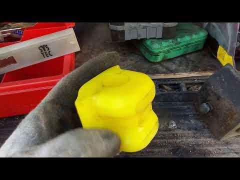 """Toyota Auris Замена тормозных дисков, колодок, стабилизатор.Защита """"Броня"""""""
