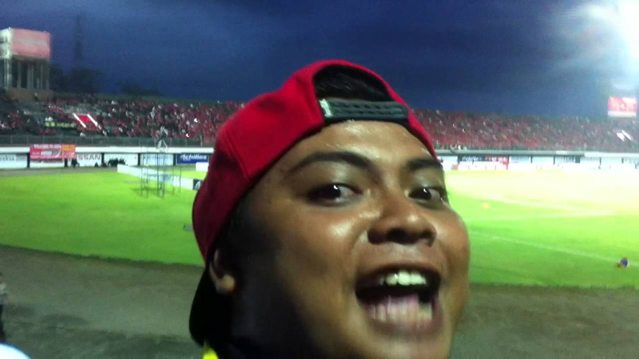 Stadion I Wayan Dipta Bali united VS AREMA - YouTube