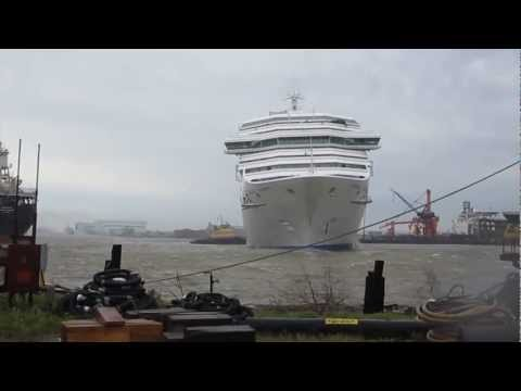 Carnival Triumph Adrift on Mobile River