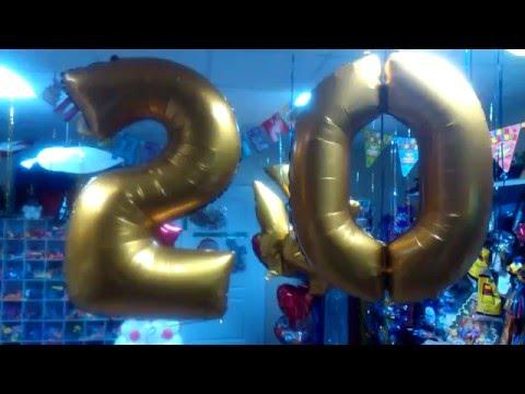 Фольгированные золотые цифры 2 и 0. Светящиеся шарики. Ставрополь!