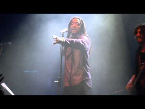 "Bernard Fowler en Argentina - ""She`s So Cold"" - Niceto 29-08-2013 - HD"