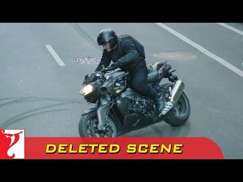 Deleted Scene:1 | DHOOM:3 | Heist 1 Bike...