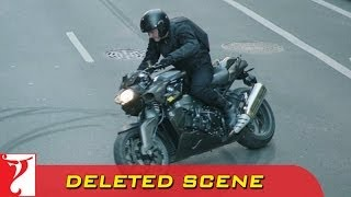 Deleted Scene:1 | DHOOM:3 | Heist 1 Bike Stunt | Aamir Khan(A bike stunt like no other. Watch Aamir Khan pull off the bike stunt effortless in the movie 'Dhoom:3' Enjoy & stay connected with us! ▻ Subscribe to YRF ..., 2014-05-08T05:31:08.000Z)