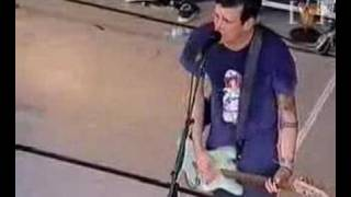 blink-182 playing Carousel (Live Big Day Out Sydney, 2000)