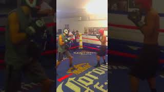Young Mayweather protege Sparring a young  Rollie Rolando Romero round 2