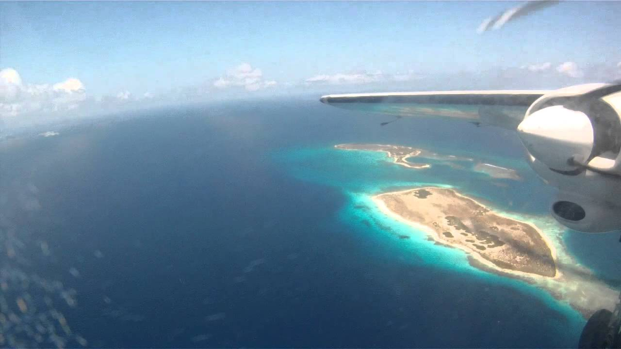 how to get to los roques from caracas