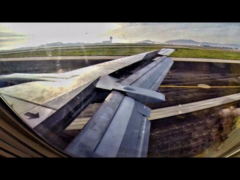 Boeing 737-400 Landing at Athens with CONDENSATION - GoPro Wing View - Blue Air