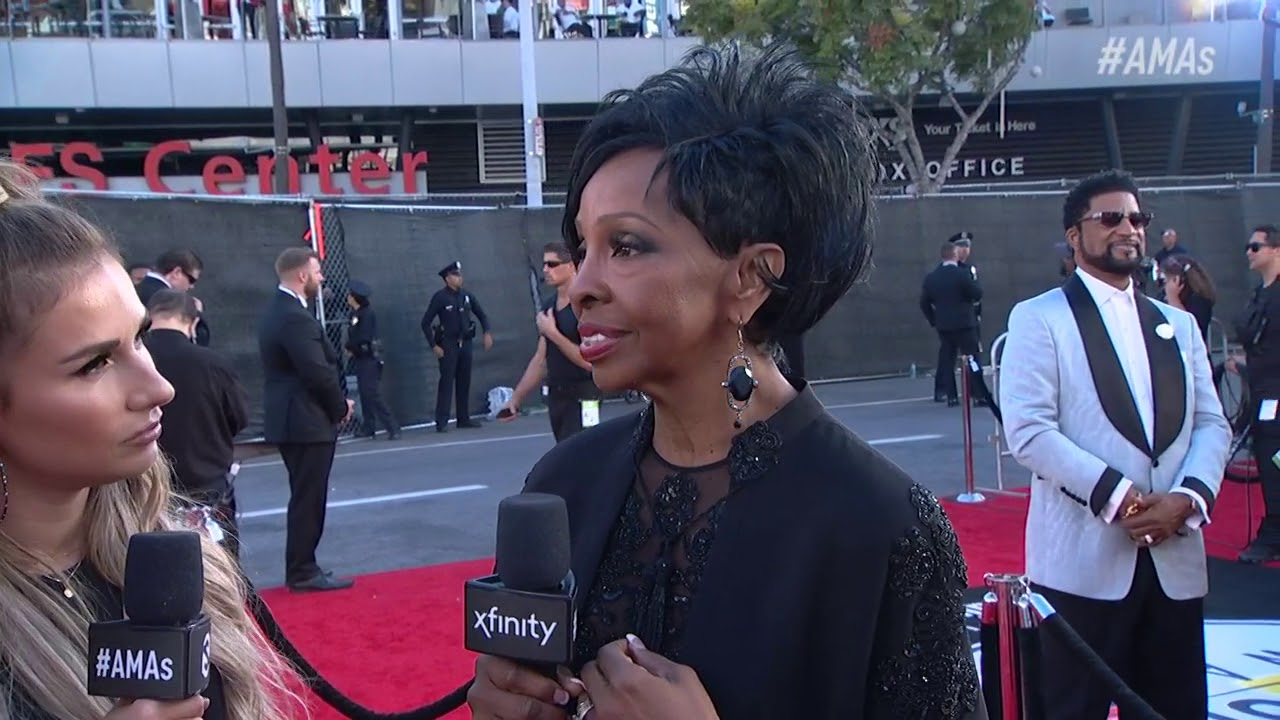 Gladys Knight Red Carpet Interview - AMAs 2018