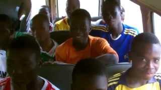 départ en bus Comè à Oumako