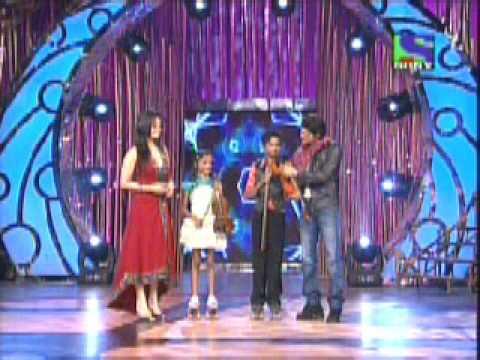 Mere Rang Mein - Violin Duet on skates