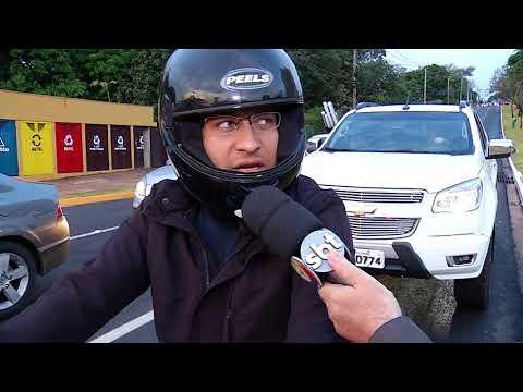 """Motoristas do """"horário de pico"""" aprovam semáforos em rotatória"""