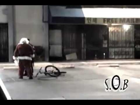 بابا نويل سكران ضحك من الاخر