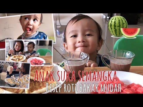Batita Lucu suka Makan Semangka 😋 Enaknya Roti Bakar buatan Kakak Zara Cute