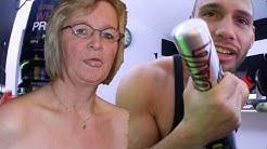 GEILER OMA SEX mit Baseballschläger