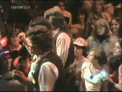 The Wurzels 'Farmer Bill's Cowman'  on  'Top Of The Pops' June 7th 1977