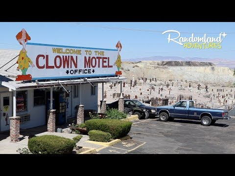I stayed in The CLOWN MOTEL - World's Most Terrifying..?
