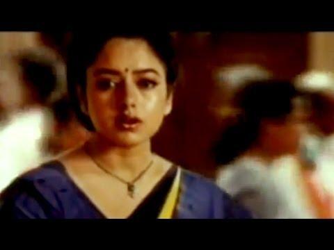 Choodalani Vundi Movie || Chiranjeevi & Soundarya Love Scene