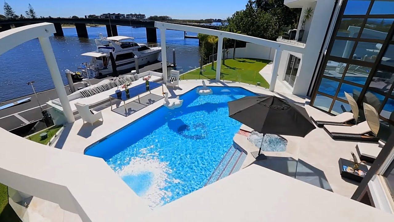 Luxury Villa Blue Waters Queensland Australia Sovereign Islands Gold Coast